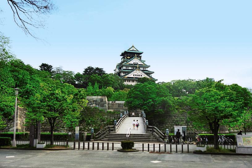 เที่ยวปราสาทโอซาก้าด้วยตัวเอง (Osaka Castle)
