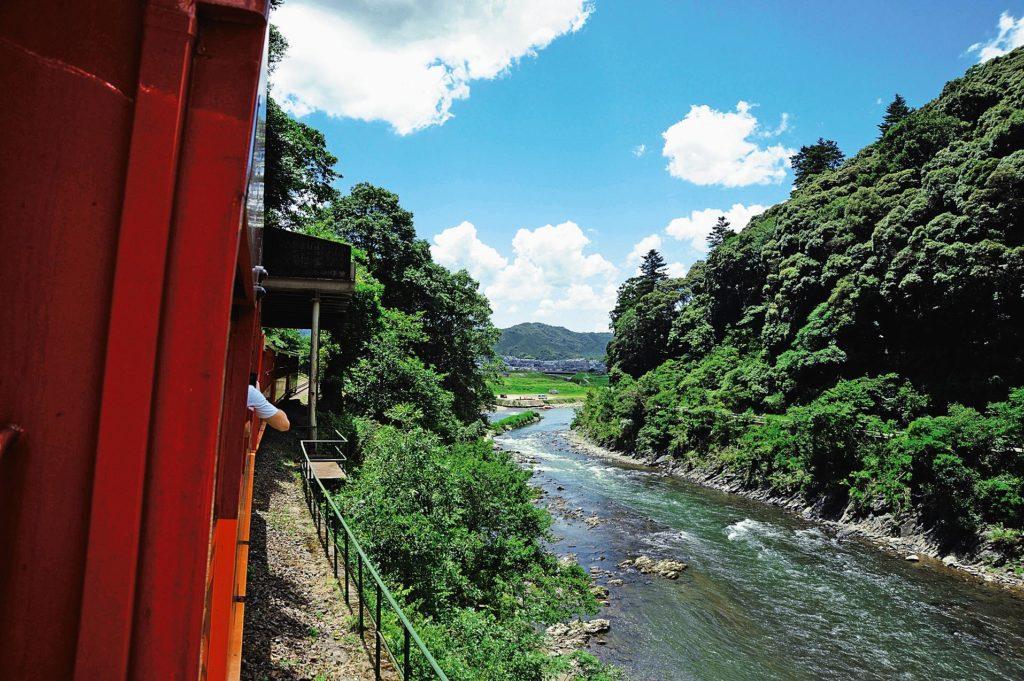 รถไฟซากาโน่ รถไฟสายโรแมนติก